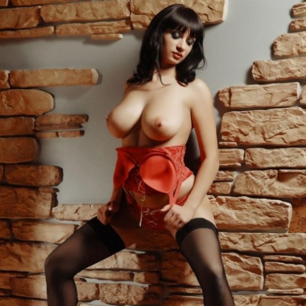 vzroslie-prostitutki-individualki-v-orenburge-gospozha-prostitutki-moskve